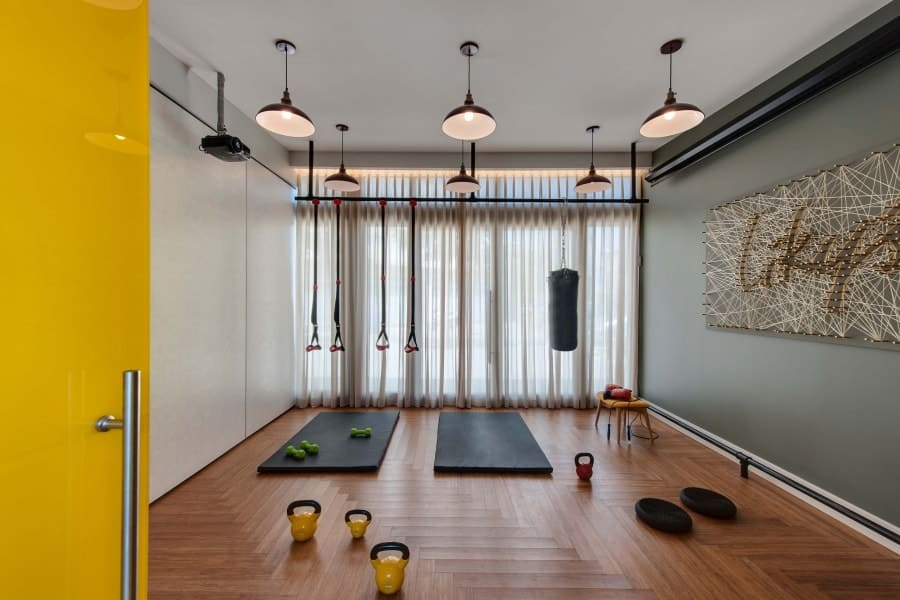 Adjustable drapes in a Tel Aviv Studio, creating a private and intimate workout space