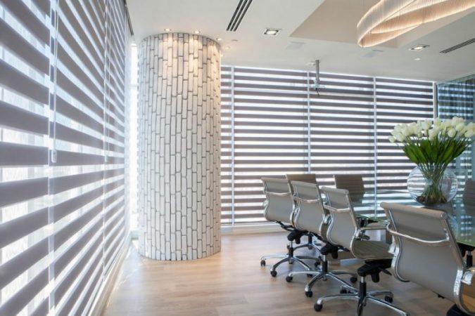 וילונות למשרד עם התאמה עיצובית